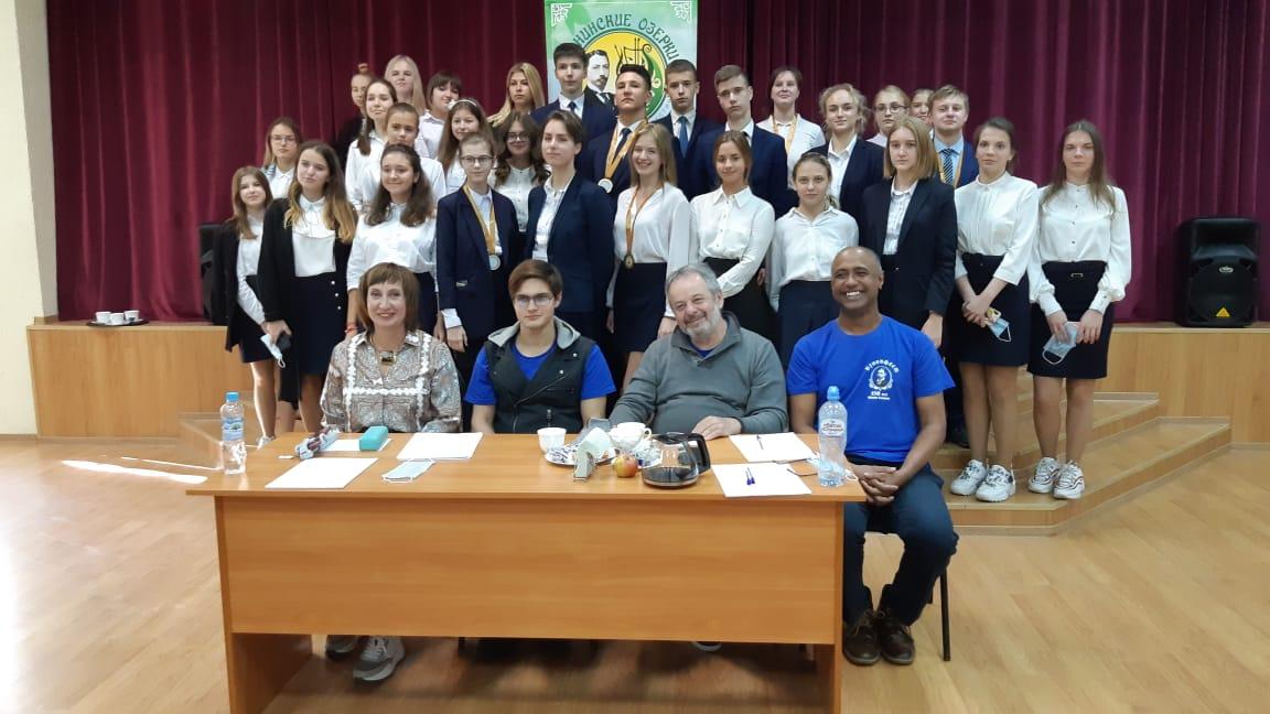 "студенты Литинститута на фестивале ""Бунинские озерки"""