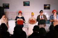 Сцена из спектакля по рассказу «Тараканы»